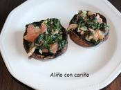Champiñones portobello rellenos espinacas, queso cabra salmón ahumado