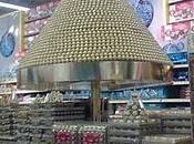 pirámide siempre soñada muchos....Merchandising Ferrero Rocher!