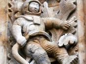 Extrañas figuras cultura expuestas diversas catedrales mundo
