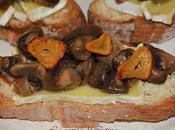Montadito queso brie champiñones