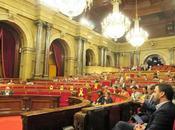 Parlament reprobó pidó abolir monarquía