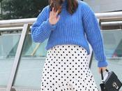 Otoño jersey azul falda midi lunares