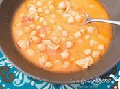Garbanzos pollo curry. Plato cuchara