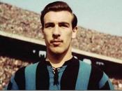 Recuerdos deportivos 2018: fútbol viste luto muerte Antonio Valentín Angelillo.