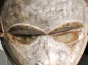 Objetos fuerza poder golfo Guinea. Esculturas, máscaras, relicarios instrumentos musicales.