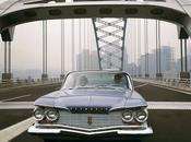 Plymouth Fury cruzando puente Pittsburgh