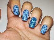 Diseño uñas azul