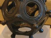 """""""Dodecaedro romano"""". artefacto enigmático"""