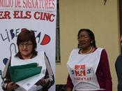 Campaña millon firmas libertad Cinco' Badalona