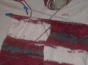 Tejiendo lana multicolor