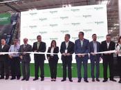 Schneider Electric inaugura primera fábrica inteligente México