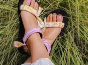 Sandalias decoradas pañuelos cabeza