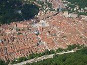 (VERANO 2019. viaje Dacia Transilvania tras huellas Trajano 14.2) Brasov, cultura vivencia; turistas todas partes