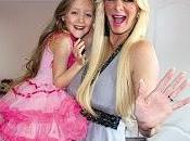 """""""Barbie humana"""" regala implantación seno hija años"""