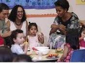 Michelle Obama enseña hábitos saludables para preescolares