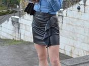 Minifalda cuero camisa denim