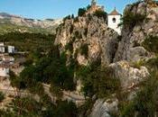 curioso pueblo 'escondido' dentro roca
