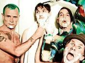 Critican mosca portada Chili Peppers Blink vuelve puerta grande