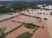 Lluvias producidas provocan deslave Guatemala