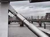London (Millenium Bridge): Raven