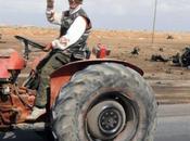 rebeldes libios llegan Tripoli hacen aeropuerto militar