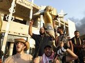 Tropas Gaddafi controlan zonas Libia