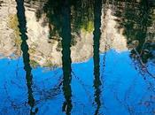 Reflejos rasgados agua