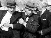 comunistas franceses atentan contra vida Pierre Laval 27/08/1941