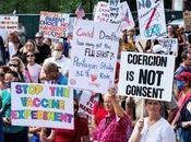 mundo levanta contra tiranía confinamientos, pasaporte Covid inoculación niños adolescentes