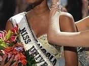 ¿Qué estás haciendo tiempo? tienen común Miss Universo, Twitter Metro Caracas)