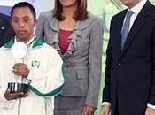 Entrega Presidente Felipe Calderón reconocimiento deportistas paralímpicos IMSS