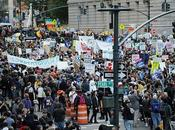 mitad estadounidenses apoya planteamientos Ocupa Wall Street