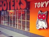 Cenando Hooters Tokyo