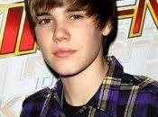 Spam red: Justin Bieber apuñalado fan.
