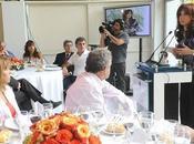 "Cristina Fernández, presidenta argentina, considera ""carmelita descalza"""