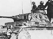 Rommel resuelve seguir explotando debilidades británicas 26/01/1942