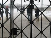 Campo concentración Dachau: geometría salvajismo