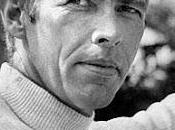 James Coburn, muerde bala