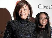 hija Whitney Houston asegura fantasma madre