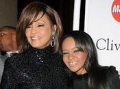 Acusan incesto hija Whitney Houston